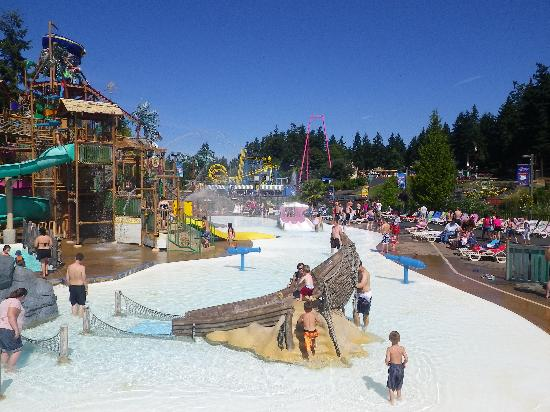 Wild Waves & Enchanted Village : Kids area