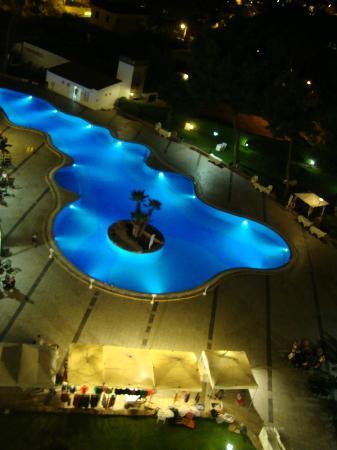 BQ Belvedere Hotel: Piscina di notte