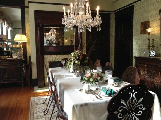 Hoyt House Inn: Dining room