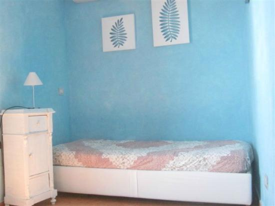 seconda camera da letto con divano letto casa dei pirati - picture ... - Camera Da Letto Con Divano