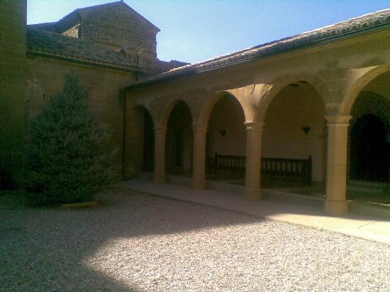 Catedral de Huesca: Huesca Cathedral: El Patio