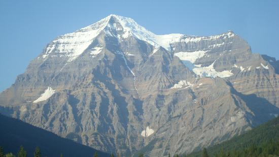 Mount Robson Lodge & Robson Shadows Campground : Mount Robson