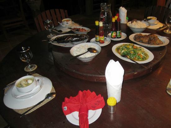 Bentenan Beach Resort: Reichhaltiges Menü