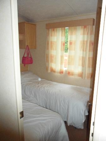 Dawlish Sands Holiday Park - Park Holidays UK: Twin room 2