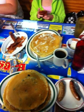 Bob's Grill: blueberry and plain pancakes
