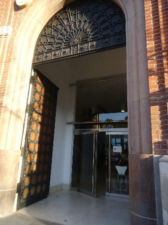 Hermosas puertas de entrada de madera originales picture for Puertas de aluminio buenos aires