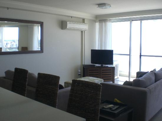 Ocean Plaza Resort: Living Room