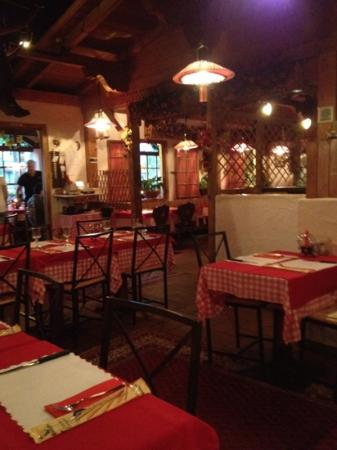 Da Sina Pizzeria: inside before it got crowded