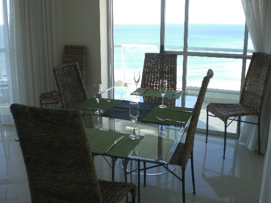Ocean Plaza Resort: Dining Room