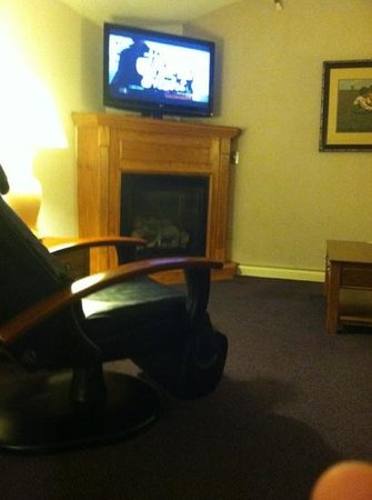 Fireside Inn & Suites: Gas fireplace