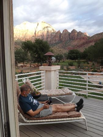 Zion Canyon Bed and Breakfast: sunset from the delightful deck off our room