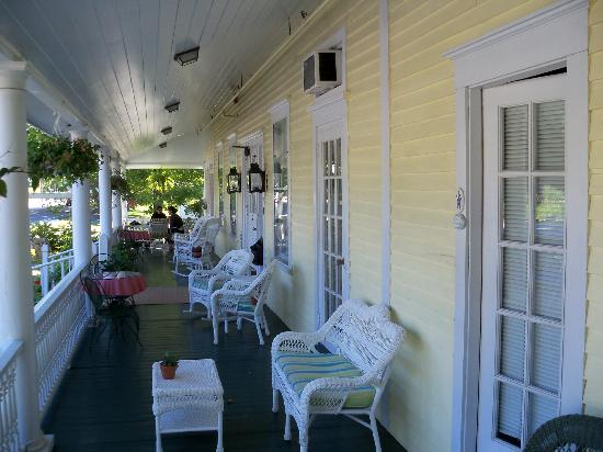 Holbrook House: Front Porch