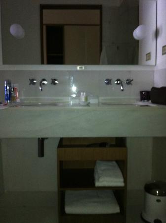 Alma Barcelona : Bathroom