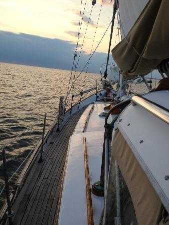 Witch of Endor Sailing Charters: Witch of Endor