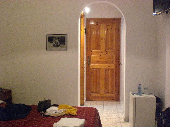 Charissi Hotel: Room