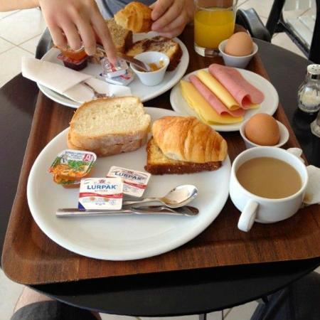 Charissi Hotel: Breakfast