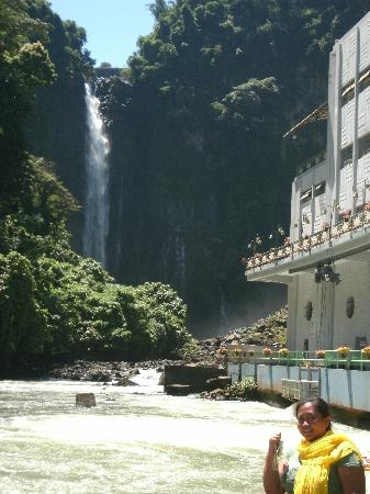 Maria Cristina Falls : nice background