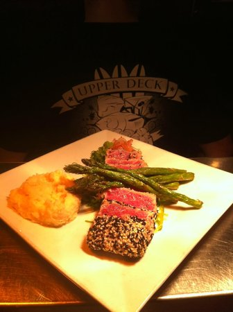 Casey's NSB Bar and Upper Deck Restaurant : Tuna