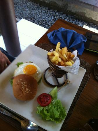 Puri Dalem Hotel: Lunch 