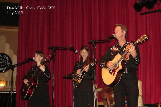 Dan Miller's Cowboy Music Revue : Wendy, Hannah & Dan