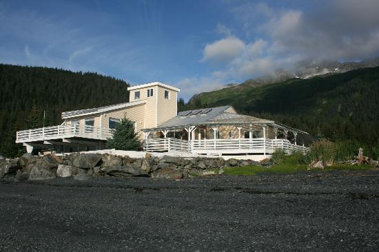 Ocean Front Bed and Breakfast: The house - absolutely fabulous location!!