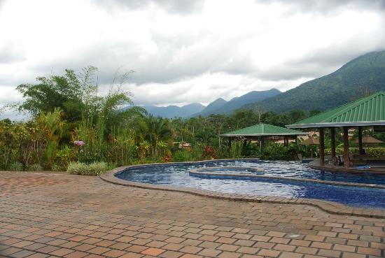 Arenal Manoa Hotel: view from the pool