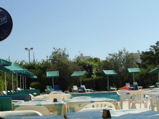 Mandalena ApartHotel: Pool
