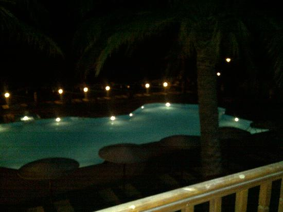 Dimitra Beach Hotel: Pool at night