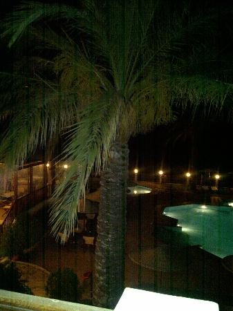 Dimitra Beach Hotel: night view from balcony