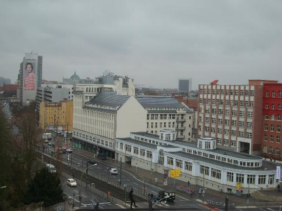 Ibis Berlin Mitte: vista dalla camera