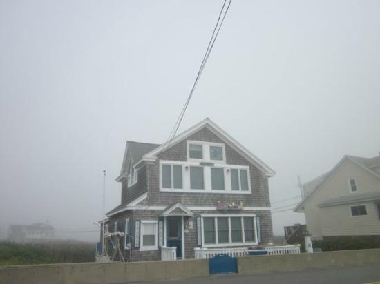 The Beaches Motel & Cottages: Many great homes to view in Wells along the oceanfront