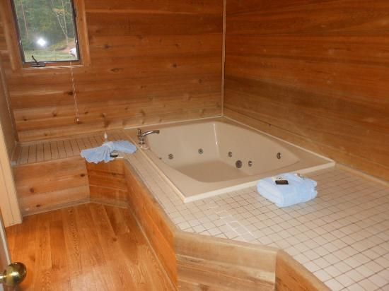 Telemark Resort: whirlpool tub