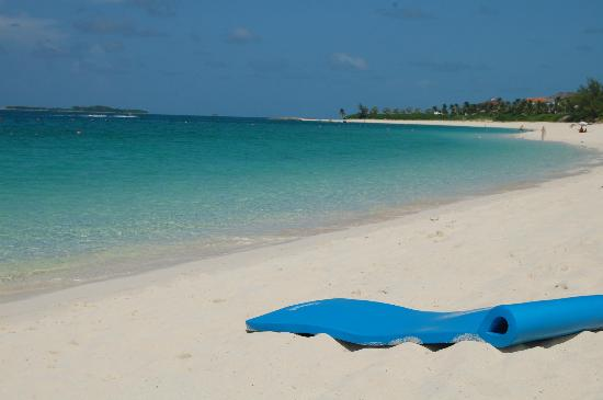 The Ocean Club, A Four Seasons Resort, Bahamas: quiet beach