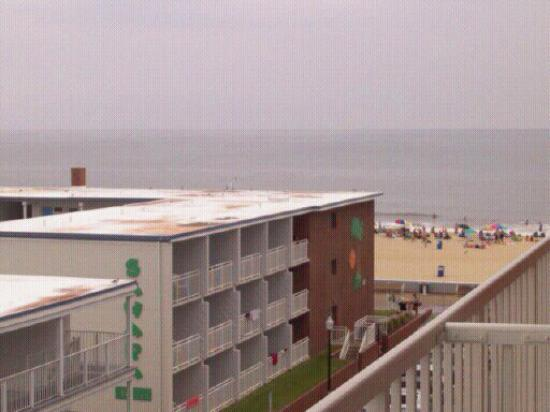 The Spinnaker: View of the beach from the balcony in room 511