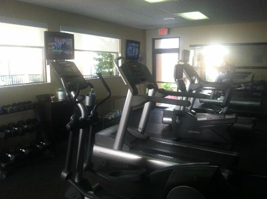 Courtyard Houston Westchase: gym not much equipment