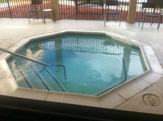 Courtyard Houston Westchase : nice jacuzzi