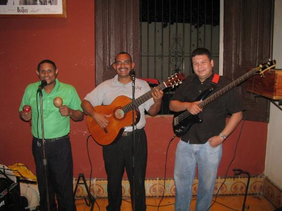Imagine Restaurant and Bar: Trio Latino