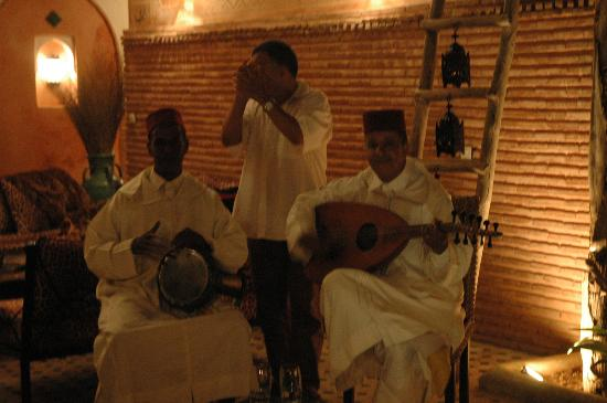 Riad Amirat Al Jamal : Rachid and musicians welcome us - one of the many treats we had using Morocco Custom Travel.