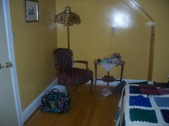 Tree Seat B&B: Reading Chair in the bedroom