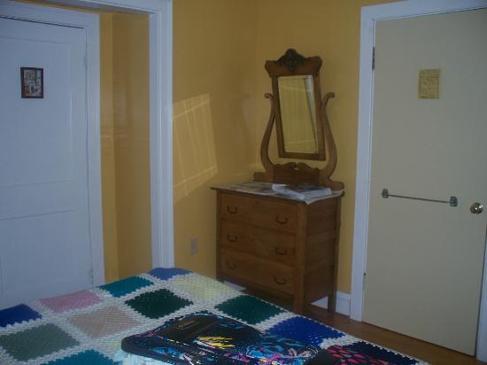 Tree Seat B&B: Bedroom