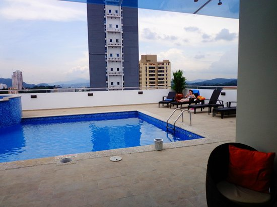 Tryp by Wyndham Panama Centro: PISCINA