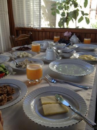 Aravan Evi Restaurant : breakfast