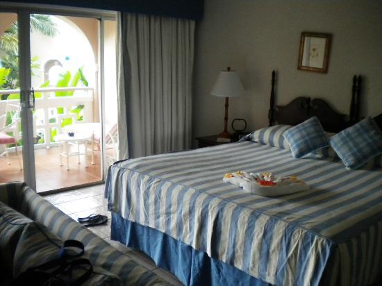 Couples Sans Souci: Our room