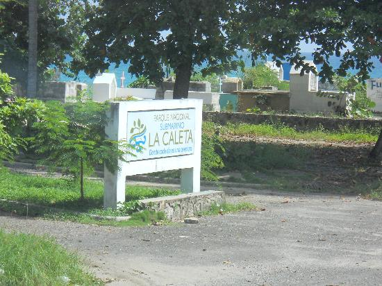 La Caleta Underwater National Park : The cemetery at the entrance of the park