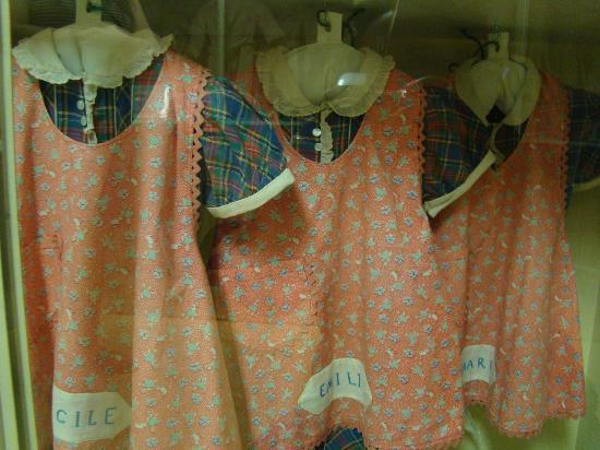 Dionne Quints Museum: dresses