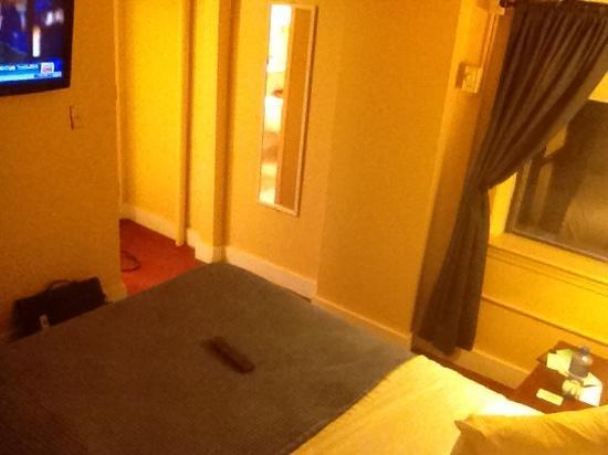 Milner Hotel: room