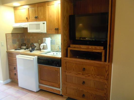 Legacy Golf Resort: Kitchenette area