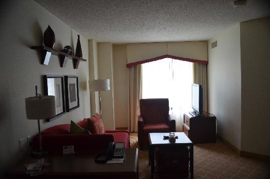 Residence Inn by Marriott Boston Cambridge: Living Room