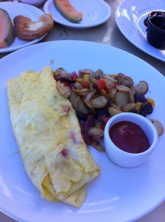 The Beach House : bland omlette and soggy potatoes.