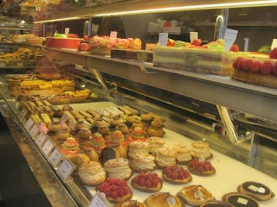 Gosselin: Mouthwatering pastry display
